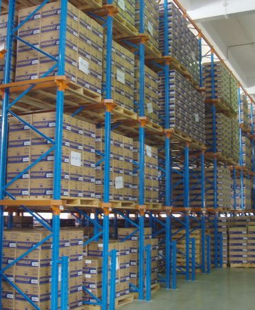 pl4317857-high_space_saving_heavy_duty_pallet_rack_blue_orange_drive_in_pallet_racking_system